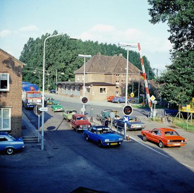 Am Grenzübergang Gaesdonck/Siebengewald bildeten sich eins lange Autoschlangen. Foto: privat