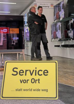 Service – und vor allem Beratung – vor Ort nehmen viele Kunden gerne mit – doch wie sieht es mit dem Einkauf aus? NN-Foto: M. Bühs