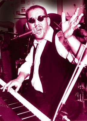 """Thomas Nowak ist der """"Boogie Man"""" - er überzeugt mit seiner schwarzen Bluesstimme.  Foto: nno.de"""