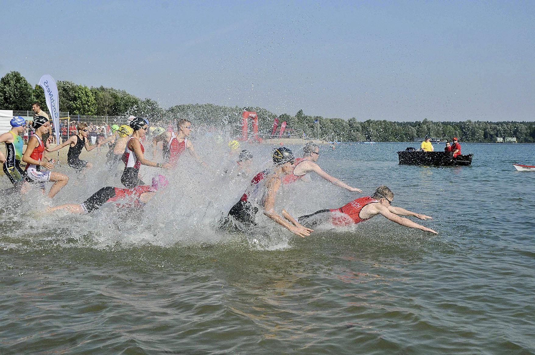 Mehr als 750 Starter gehen am Sonntag in Kessel an den Triathlon ...