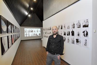 """Die Ausstellung """"Stadt Portrait Xanten"""" von Grischa Schmitz wird am Sonntag um 12 Uhr im Dreigiebelhaus am Xantener Dom eröffnet NN-Foto: Theo Leie"""