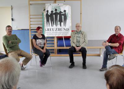 Gabi Offermanns leitet die Kreuzbundgruppe Sonsbeck, unterstützt wird sie dabei vom Gründer Theo Willems (2.v.r). Die Gruppentreffen finden donnerstags in der AWO KiTa statt. NN-Foto: Theo Leie