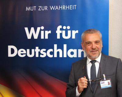 Gerd Plorin stellt sich der Herausforderung und geht als Direktkandidat der AfD Kreis Kleve in den Bundestagswahlkampf. NN-Foto: MB