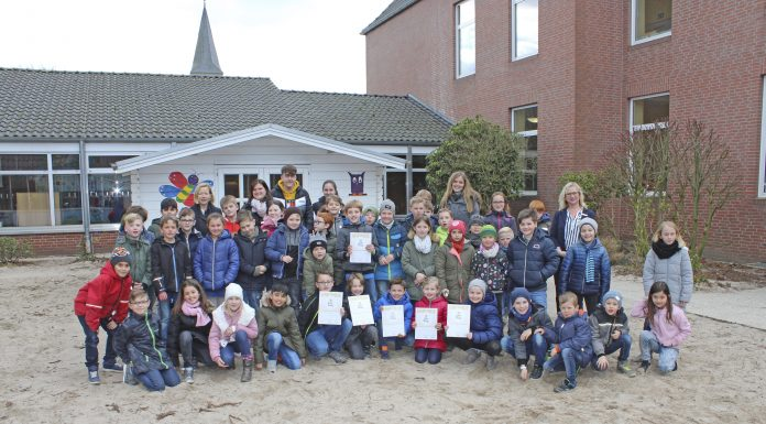 Die beiden dritten Klassen der St. Antonius-Grundschule